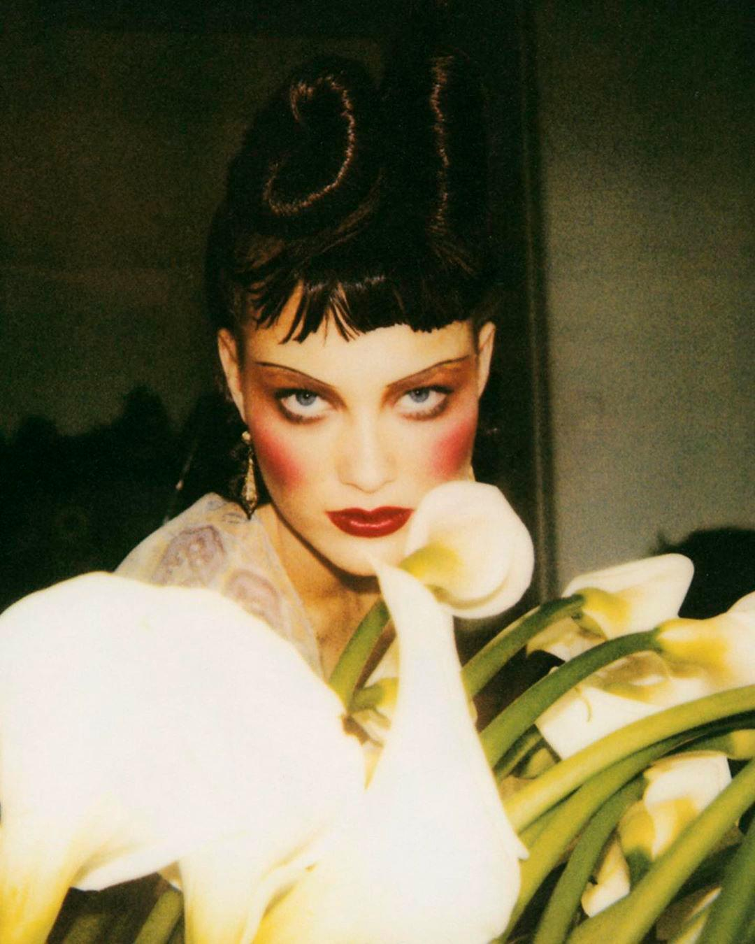 image from Stéphane Marais' Beauty Flash book showing model in heavy blush and eyeshadow looking into camera