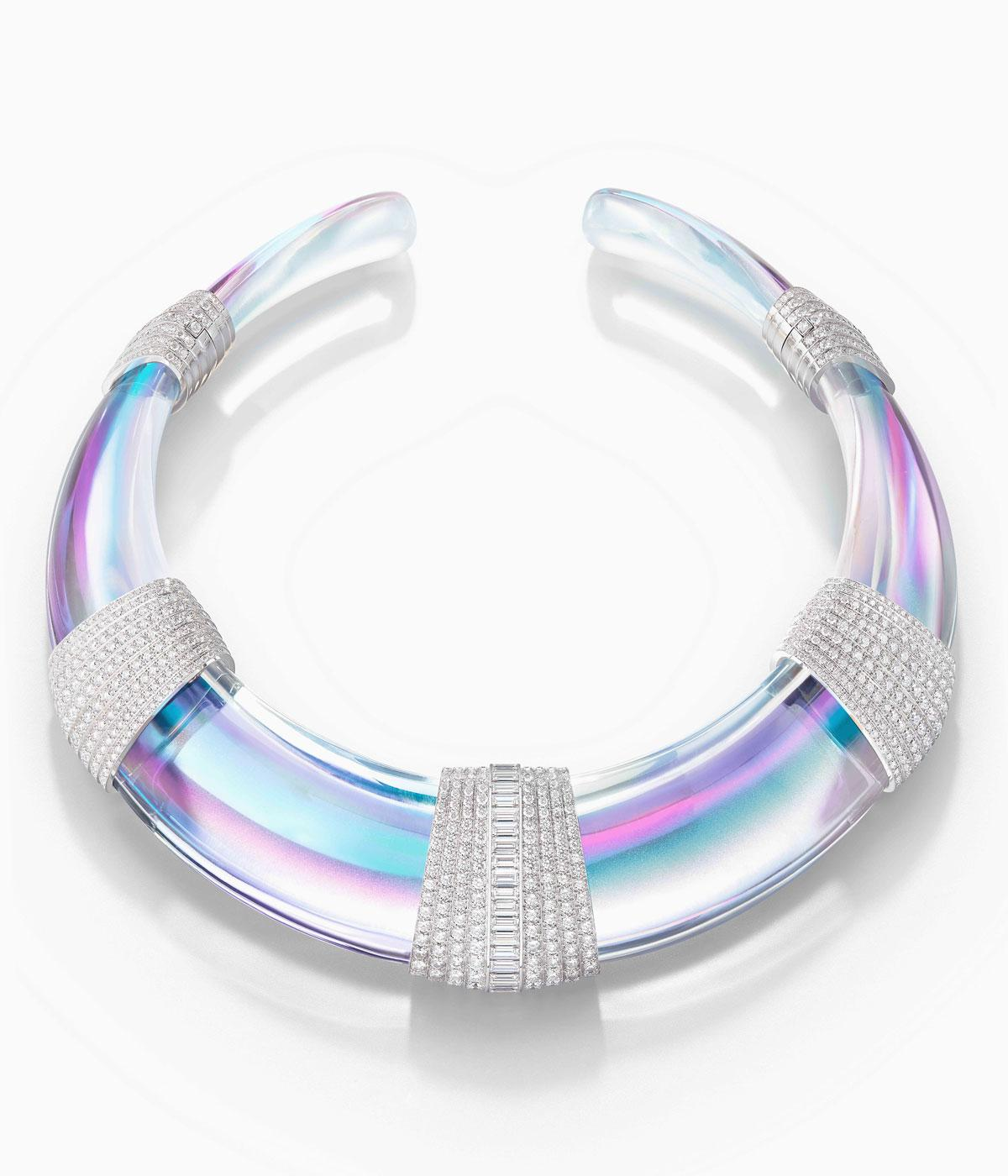 Holographic necklace with diamonds on it