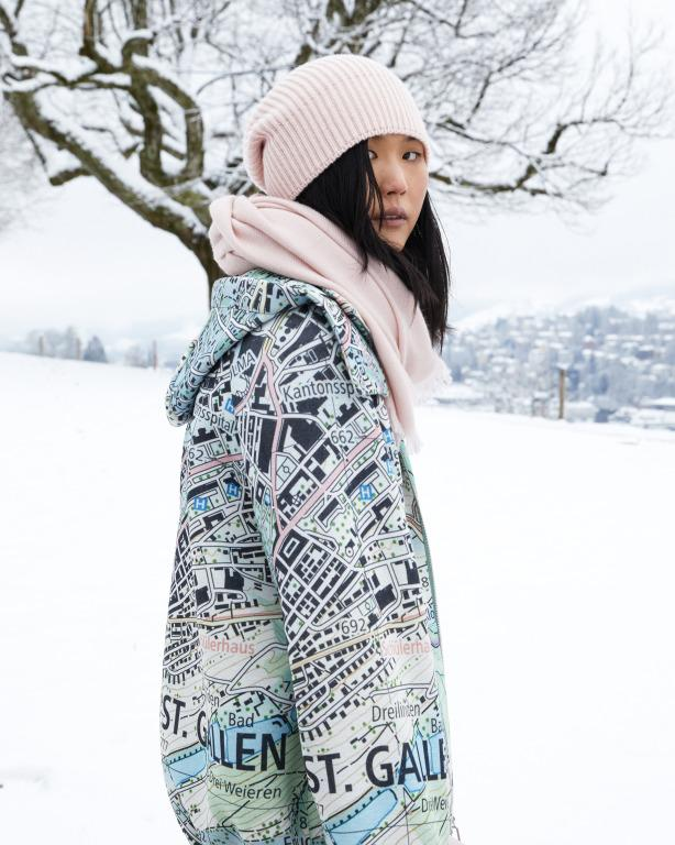 Image of model wearing Akris AW 2021 collection