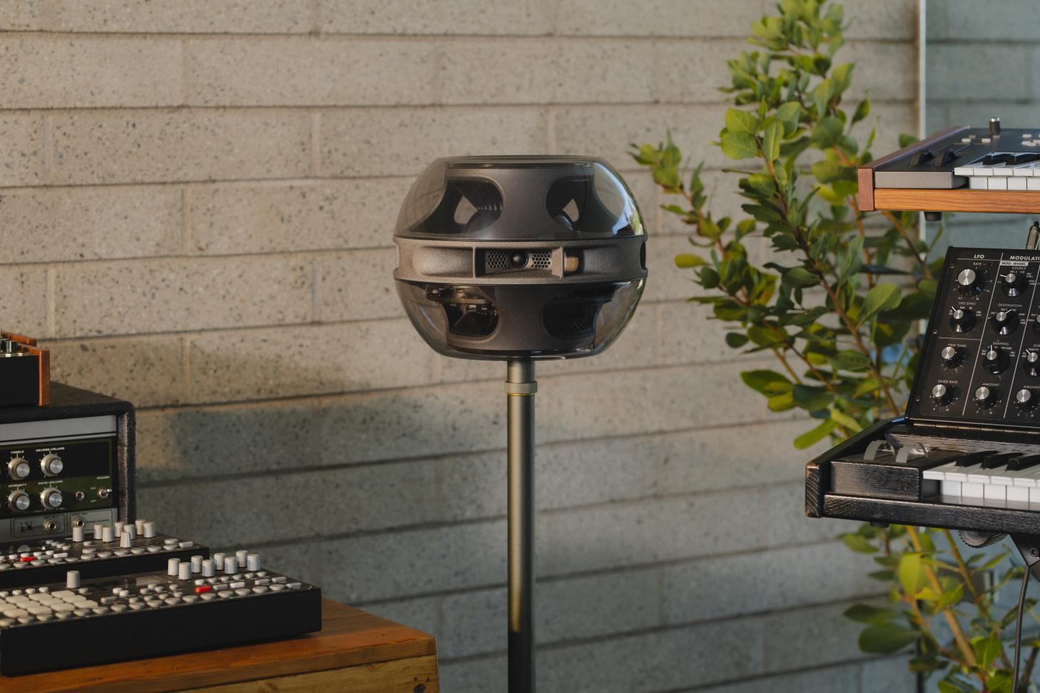 Syng's Cell Alpha Speaker is designed for any audio input