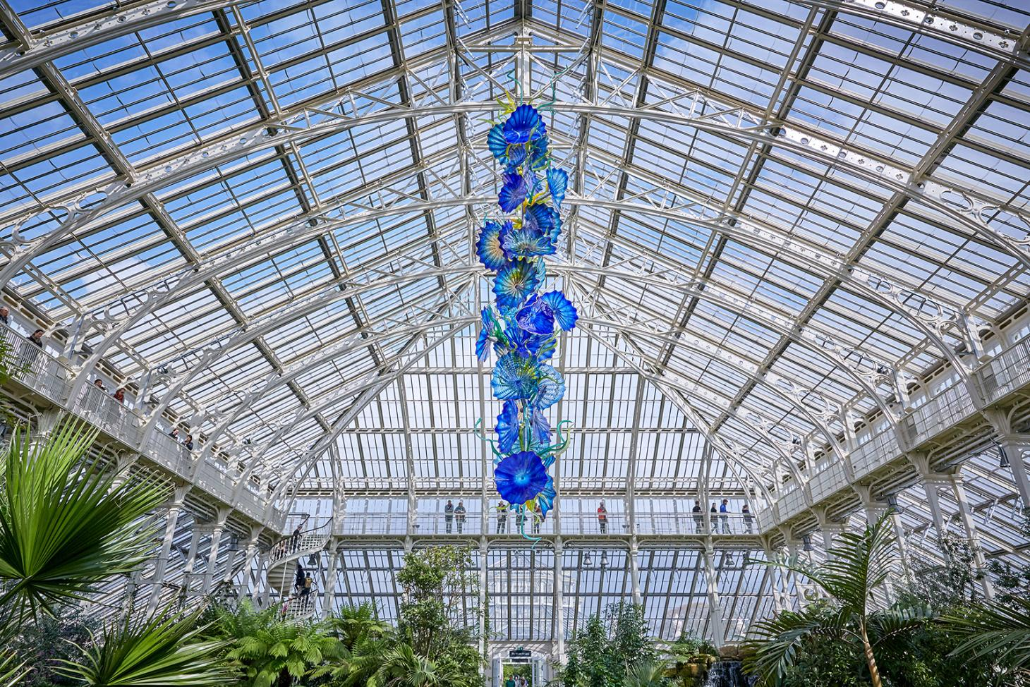 Dale Chihuly's glass sculptures are in bloom at Kew Gardens