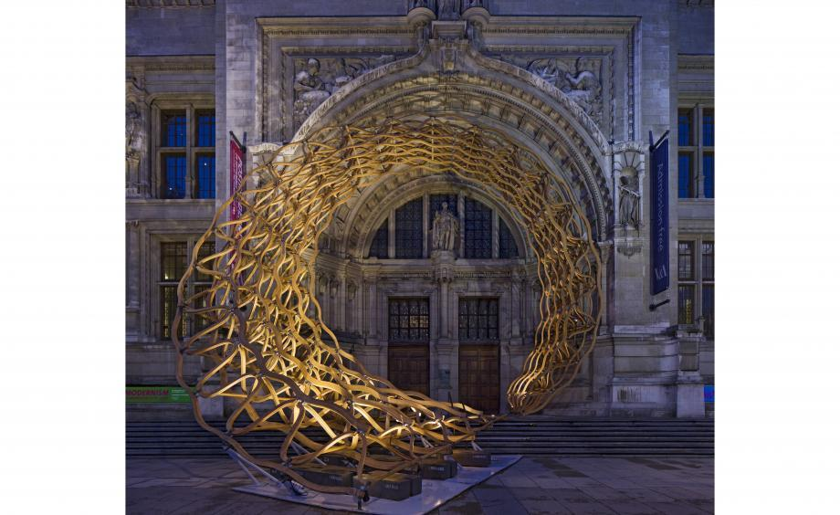 timber wave installation in London outside the v&a