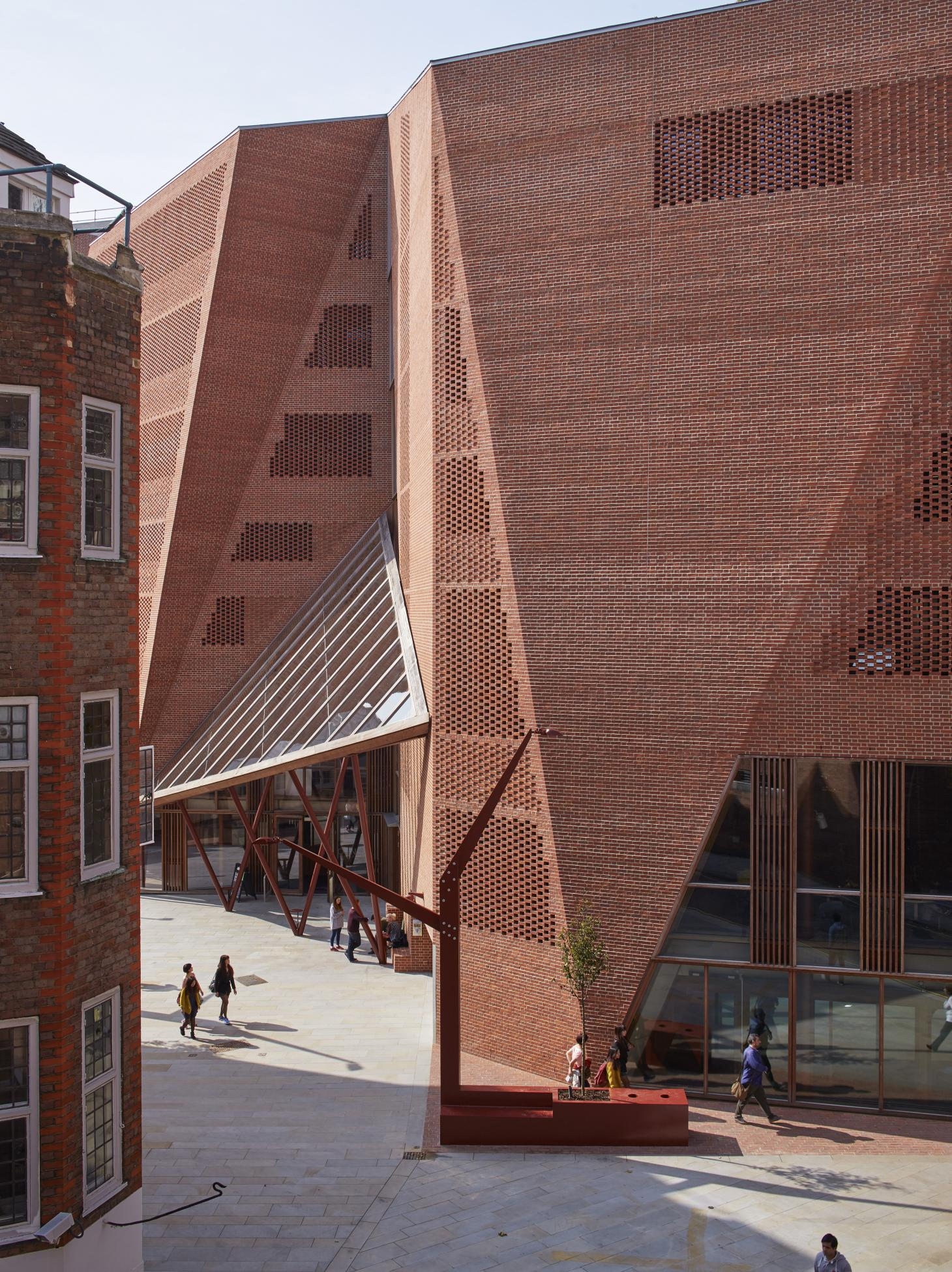 Saw Swee Hock Students' Centre, London School of Economics, by O'Donnell & Tuomey, 2014