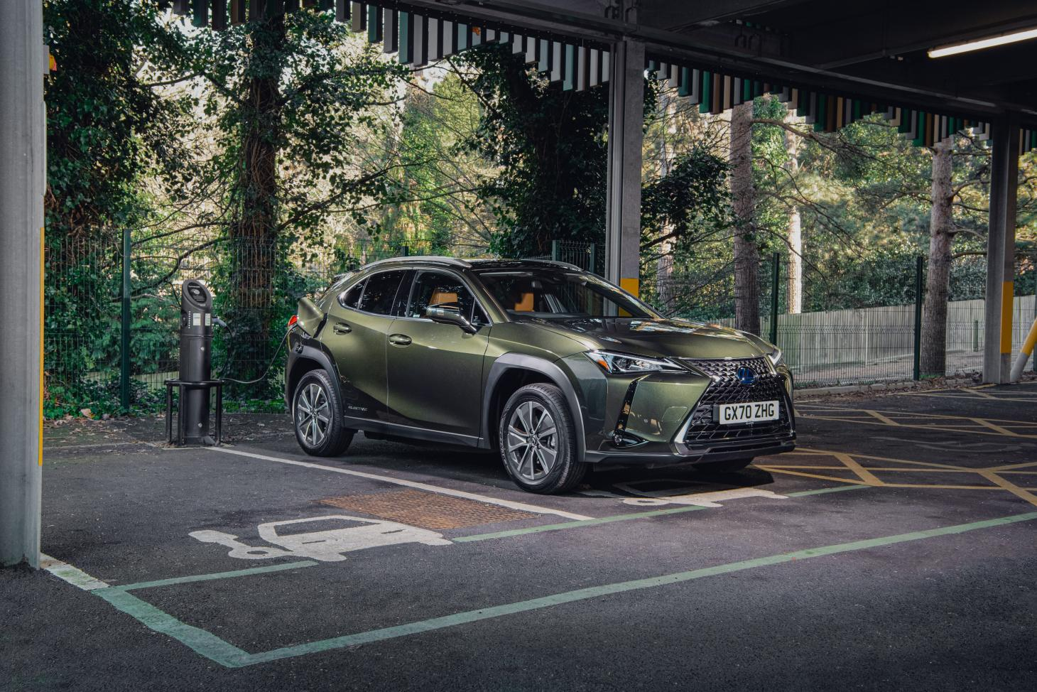 The Lexus UX 300e should reach 80% of its 196 mile range in under an hour of fast charging