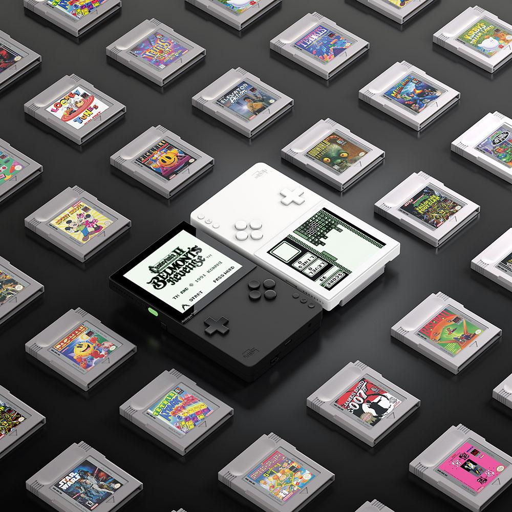 Analogue Pocket and original Nintendo Game Boy games cartridges