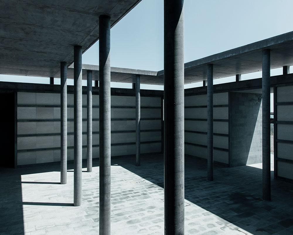 San Michele cemetery courtyard by David Chipperfield Architects