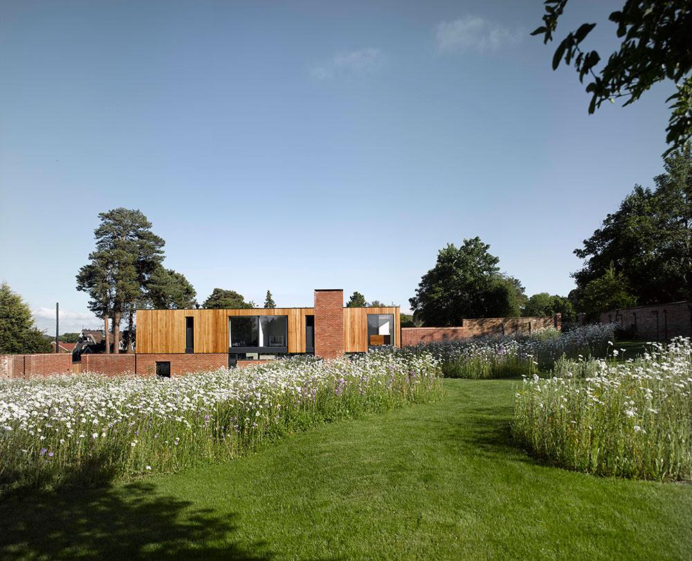 John Pardey Architects Cheeran House garden