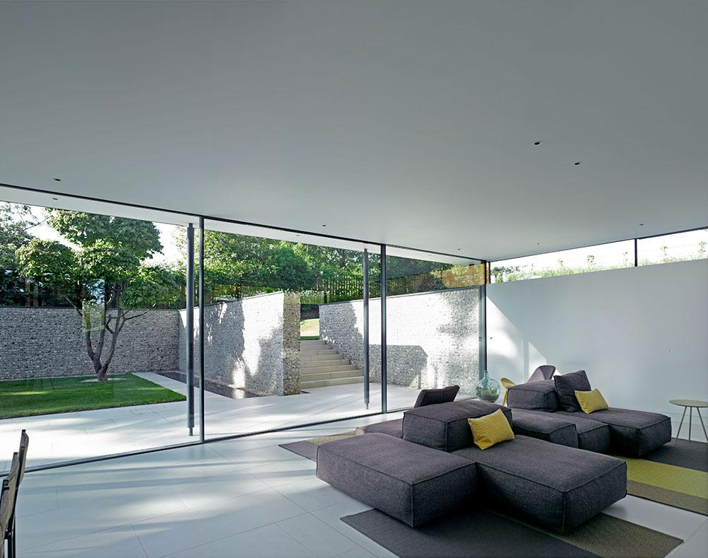 John Pardey Architects Cheeran House courtyard