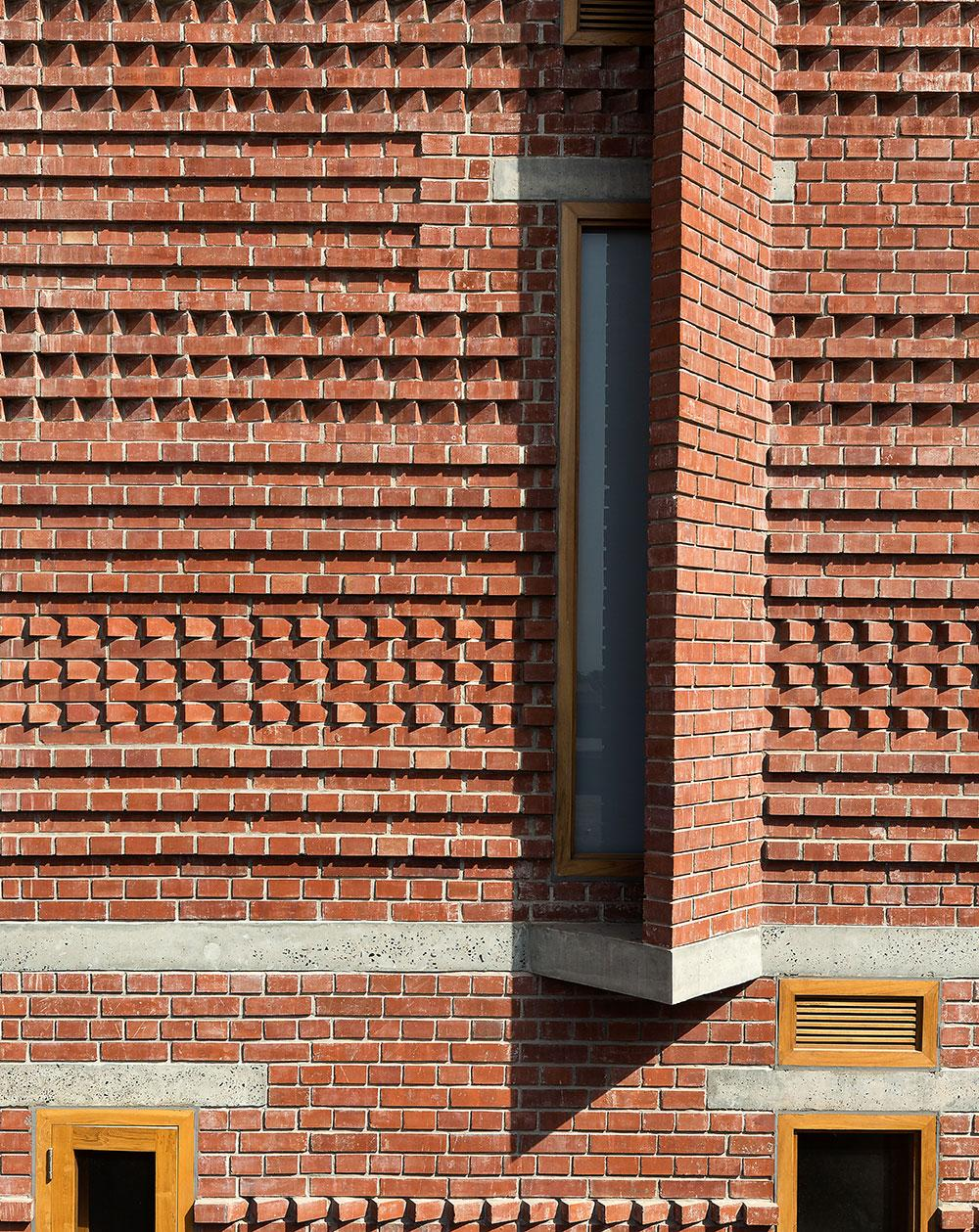 Vir.Mueller Architects Singh house brick walls