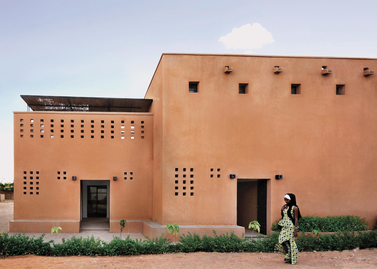 Niamey 2000 residential project's east entry
