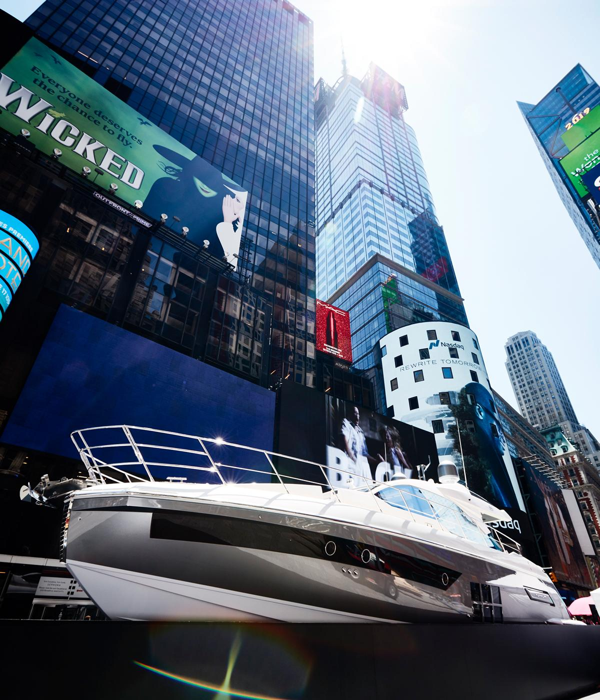 Azimut S6 Yacht installed in Times Square, NYC