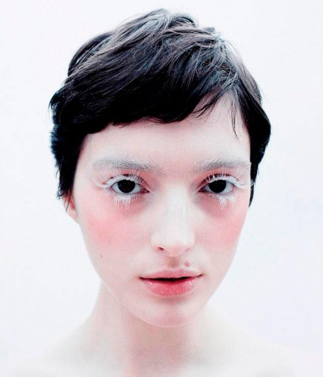 lashify silver gossamer lashes on model with bleached eyebrows