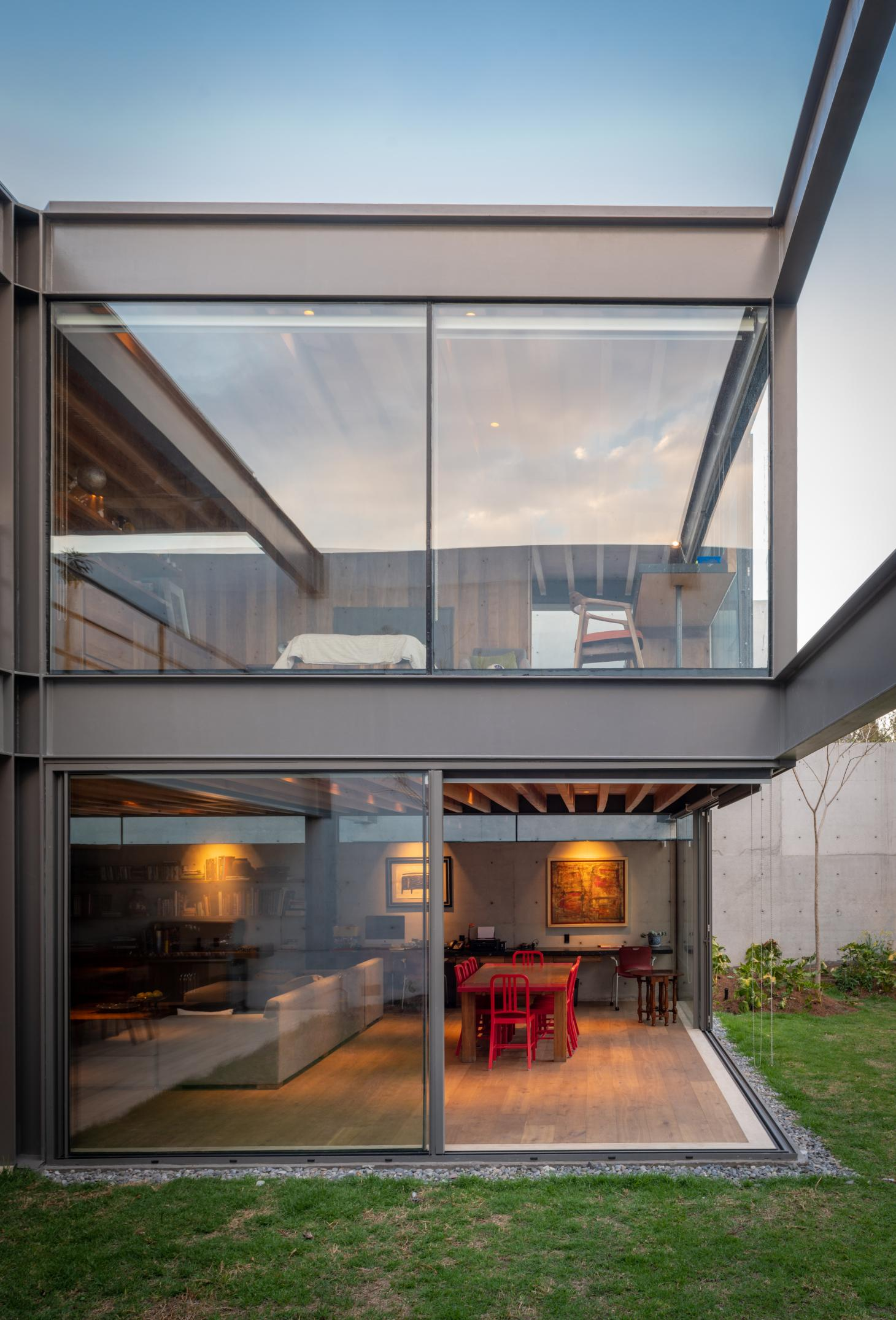 Casa Vertientes in Mexico City is a weightless balance of steel beams