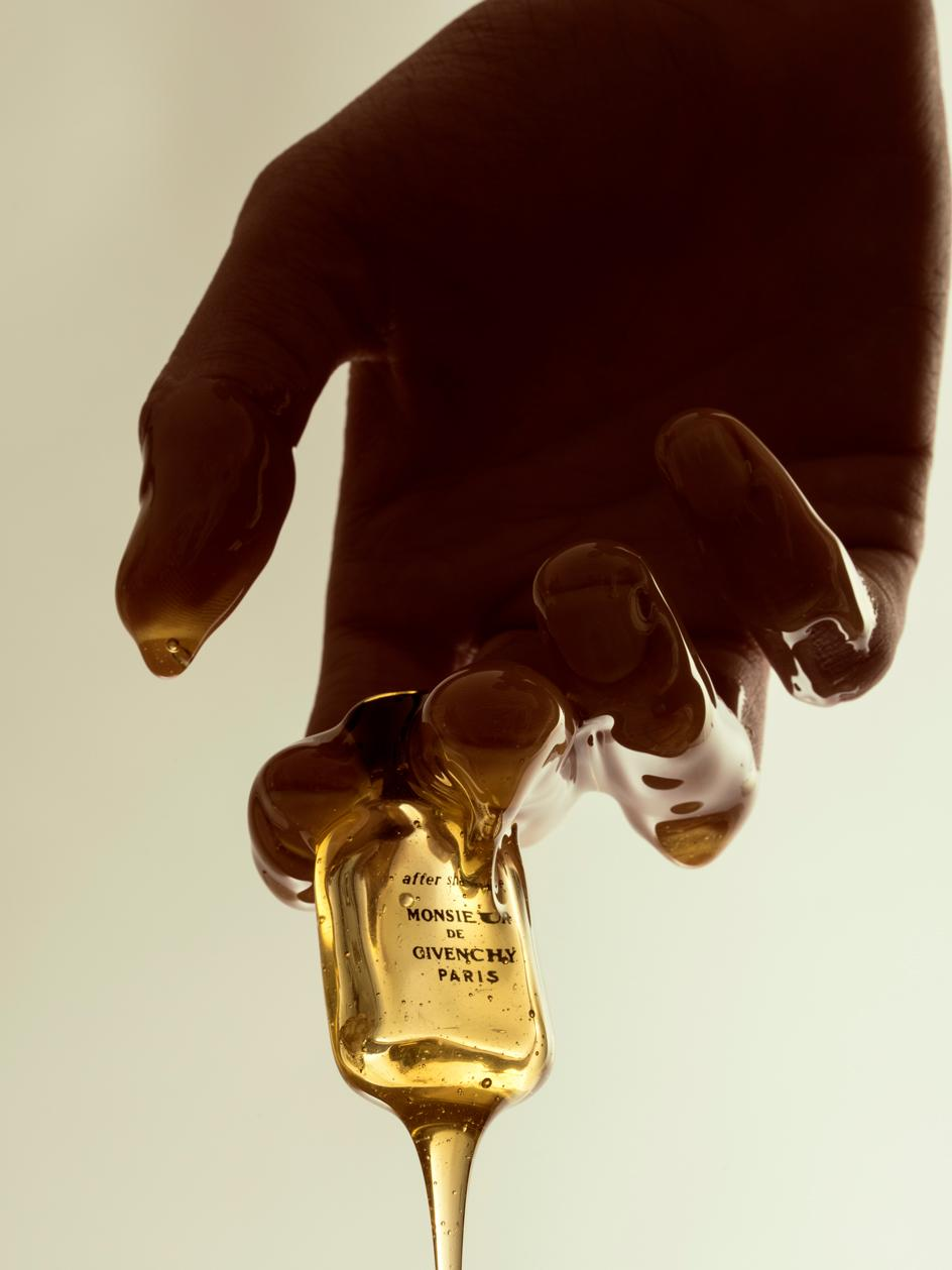 Benjamin Vigliotta's still life photography of Givenchy bottle