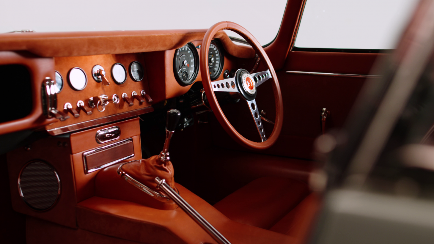 Dashboard of the Series 1 Jaguar E-Type by Helm and Bill Amberg