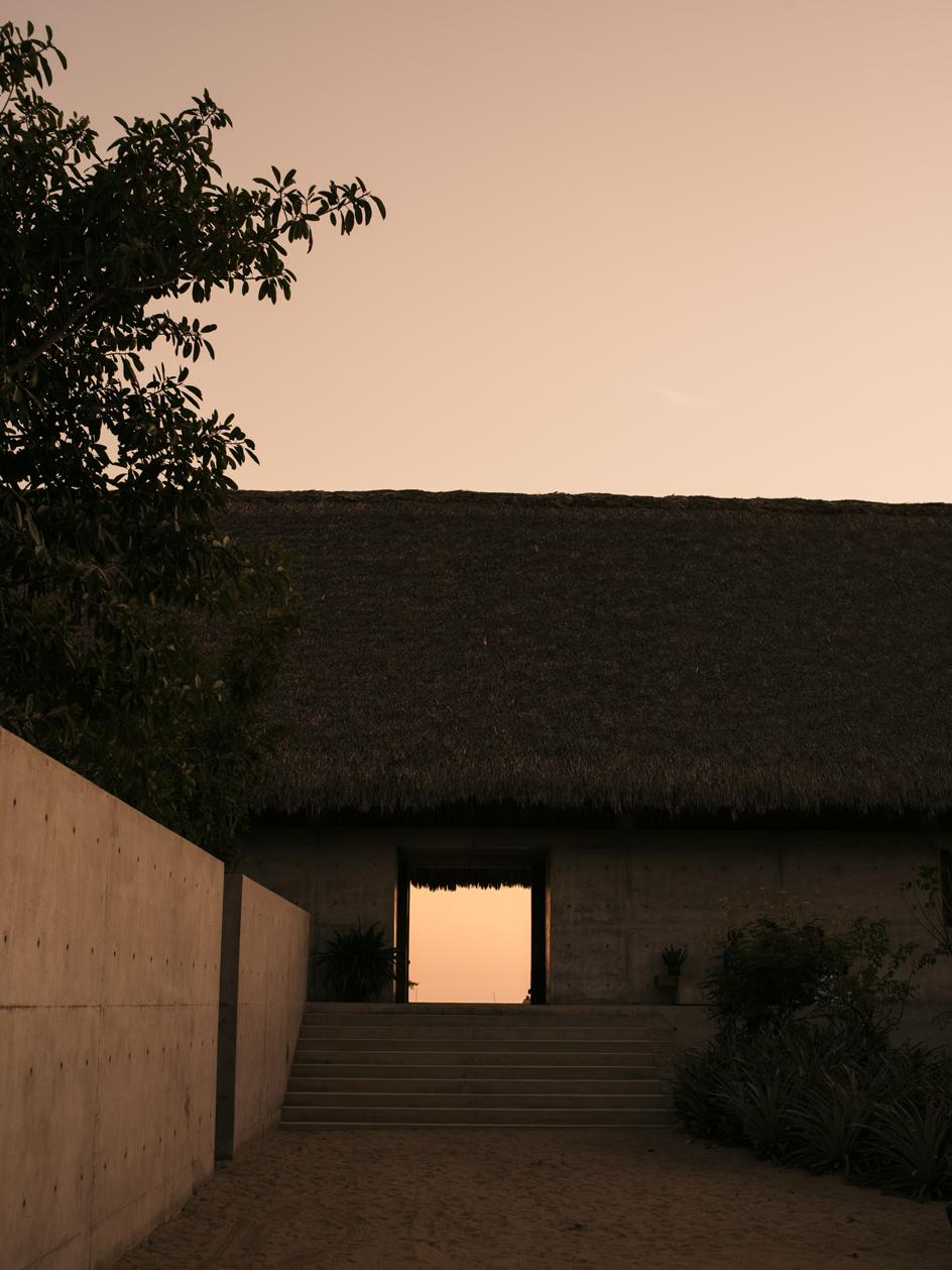 The main building of Casa Wabi combines the traditional local spirit with contemporary elements