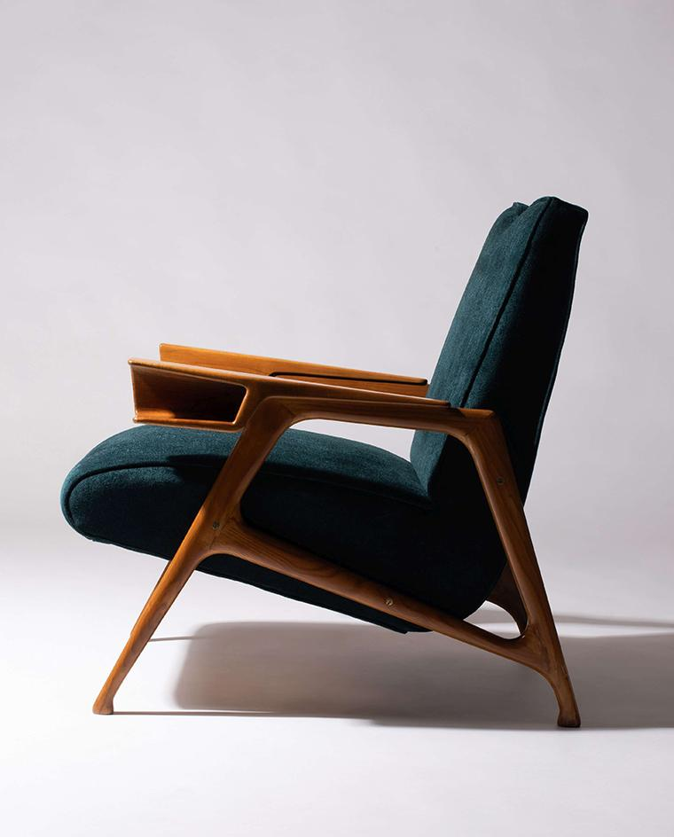 Augusto Romano walnut and green velvet chair