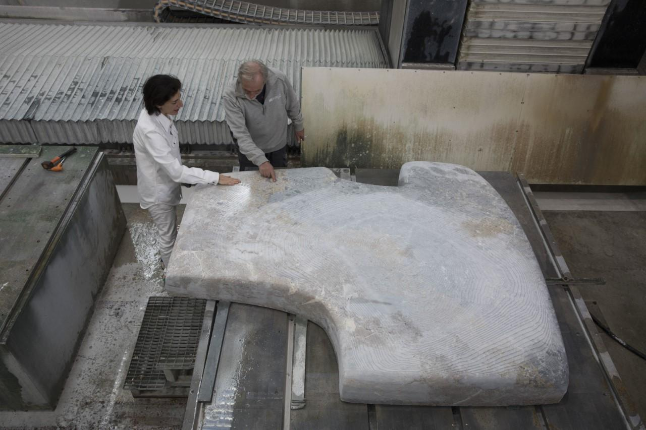 Nairy Baghramian with the Henraux sculpture departmentmanager, at theHenraux Headquarters, Querceta di Seravezza, Italy.