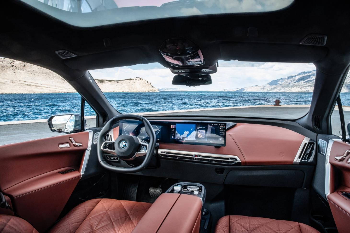 The dashboard of the 2021 BMW iX