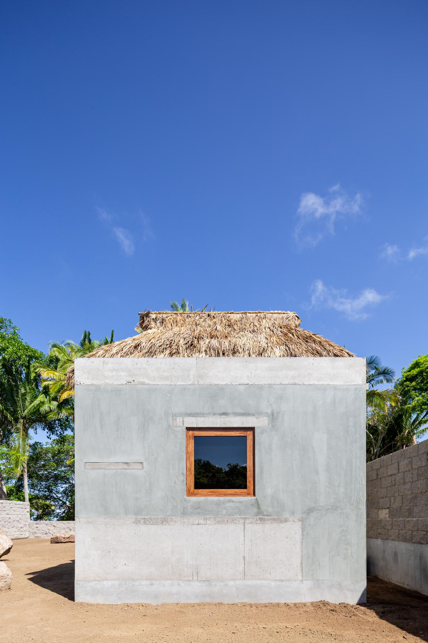Litibu hut by Palma Studio, Mexico side elevation