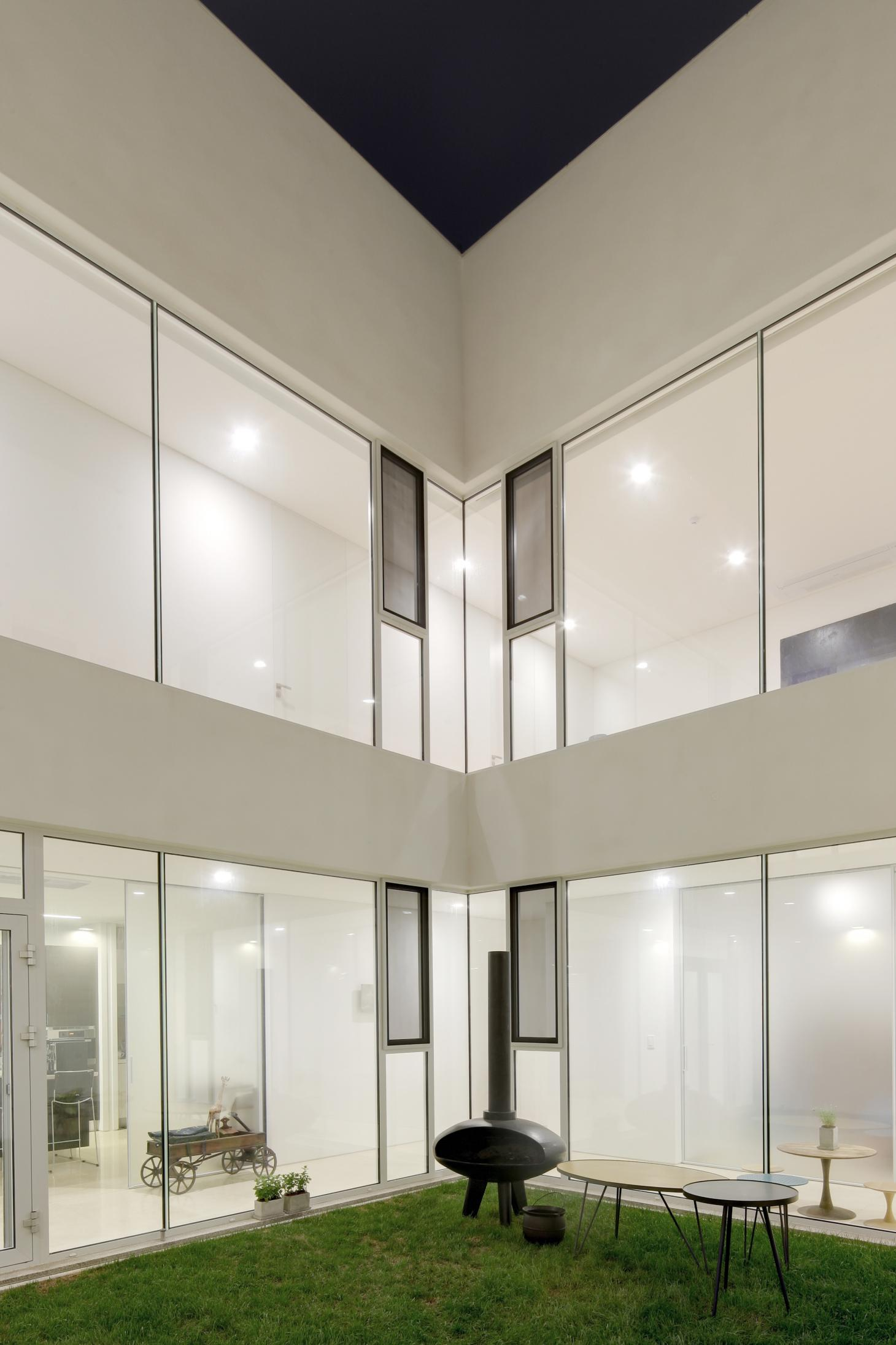 South Korean rounded house's green internal courtyard