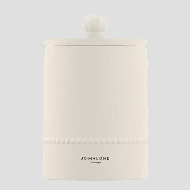 jo malone townhouse collection white candle in lavender scent