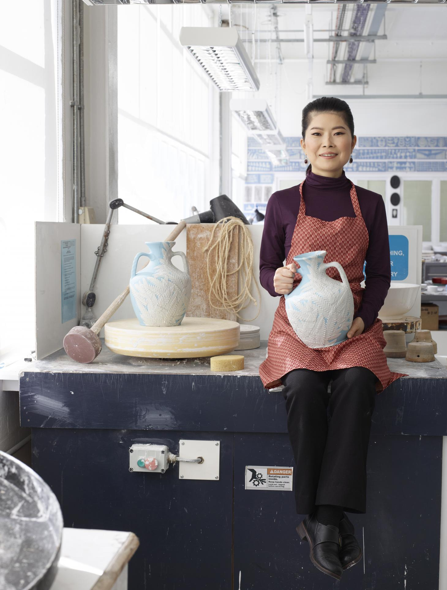 Hosono at the Wedgwood factory with Shōka her take on the iconic Wedgwood Portland Vase, courtesy of Wedgwood
