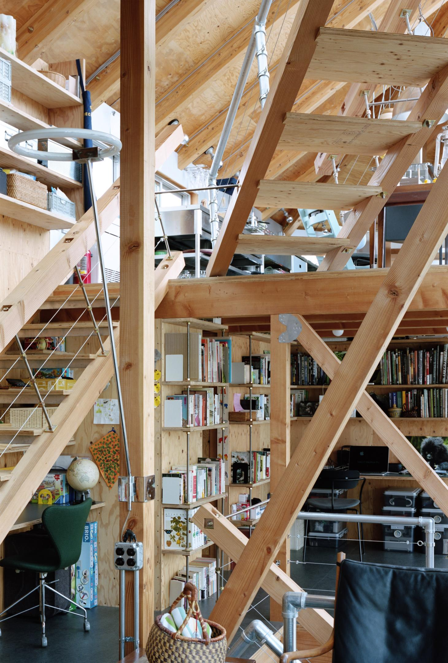 interior with wooden structure at Daita2019, a Japanese house