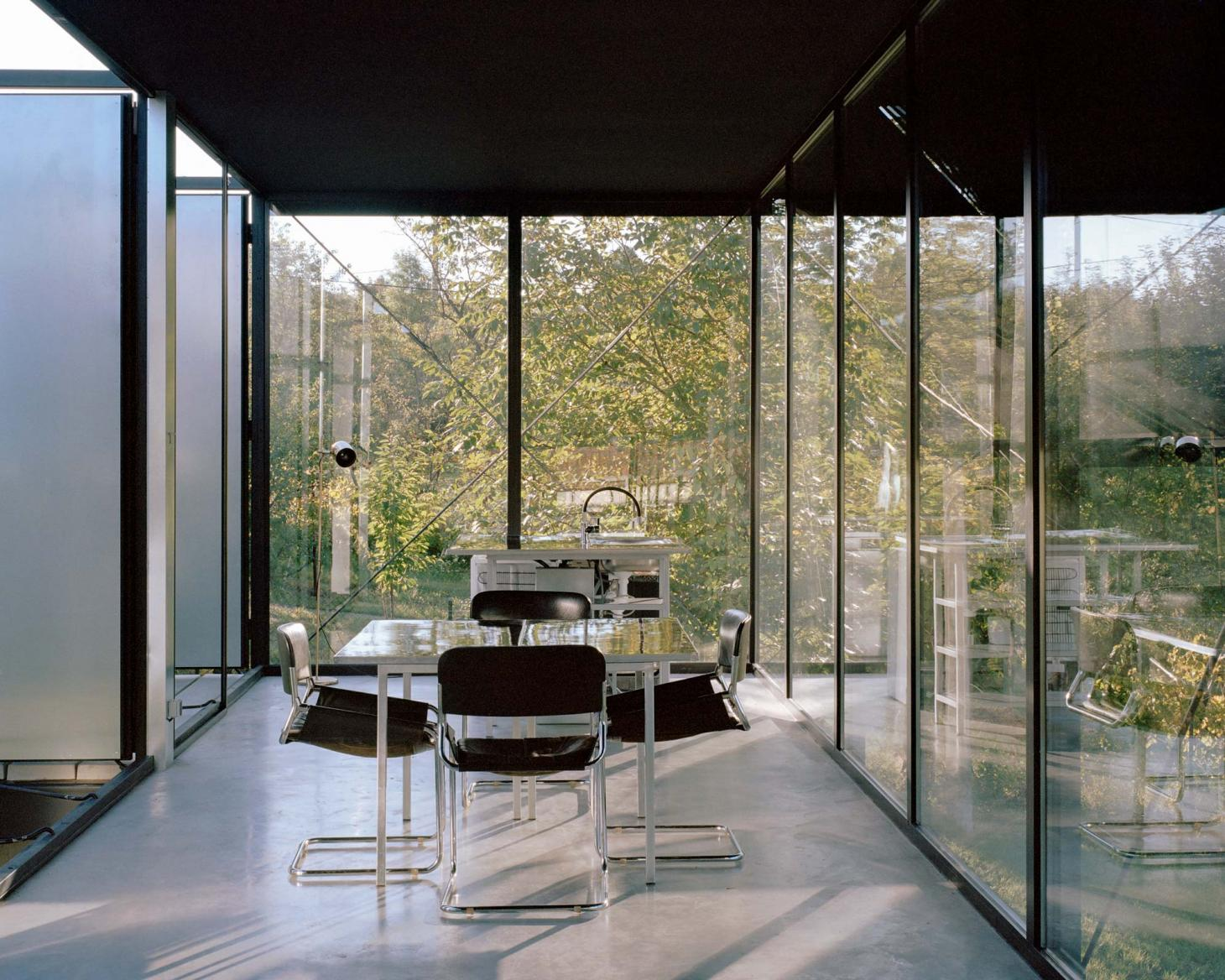 The dining room and kitchen, House for a Craftsman, TEN Architects