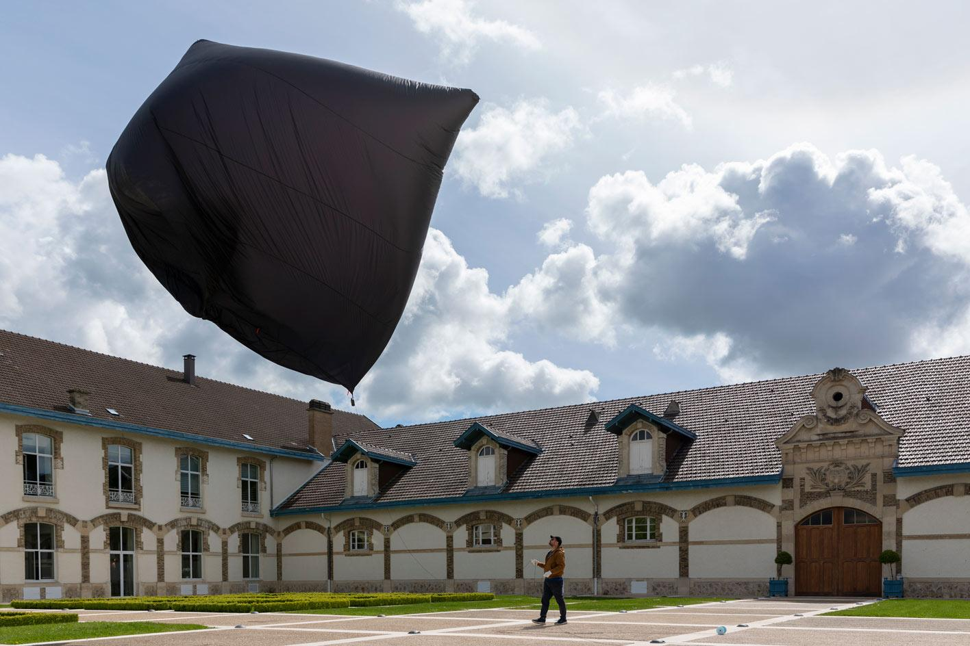 Tomás Saraceno, Aerocene sculpture and augmented reality for Maison Ruinart