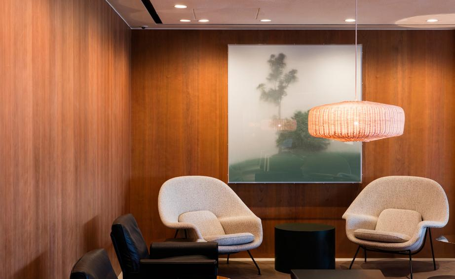 London Based Ilse Crawford Has Unveiled A New Design For Cathay Pacifics Largest Business Class Lounge In Hong Kong