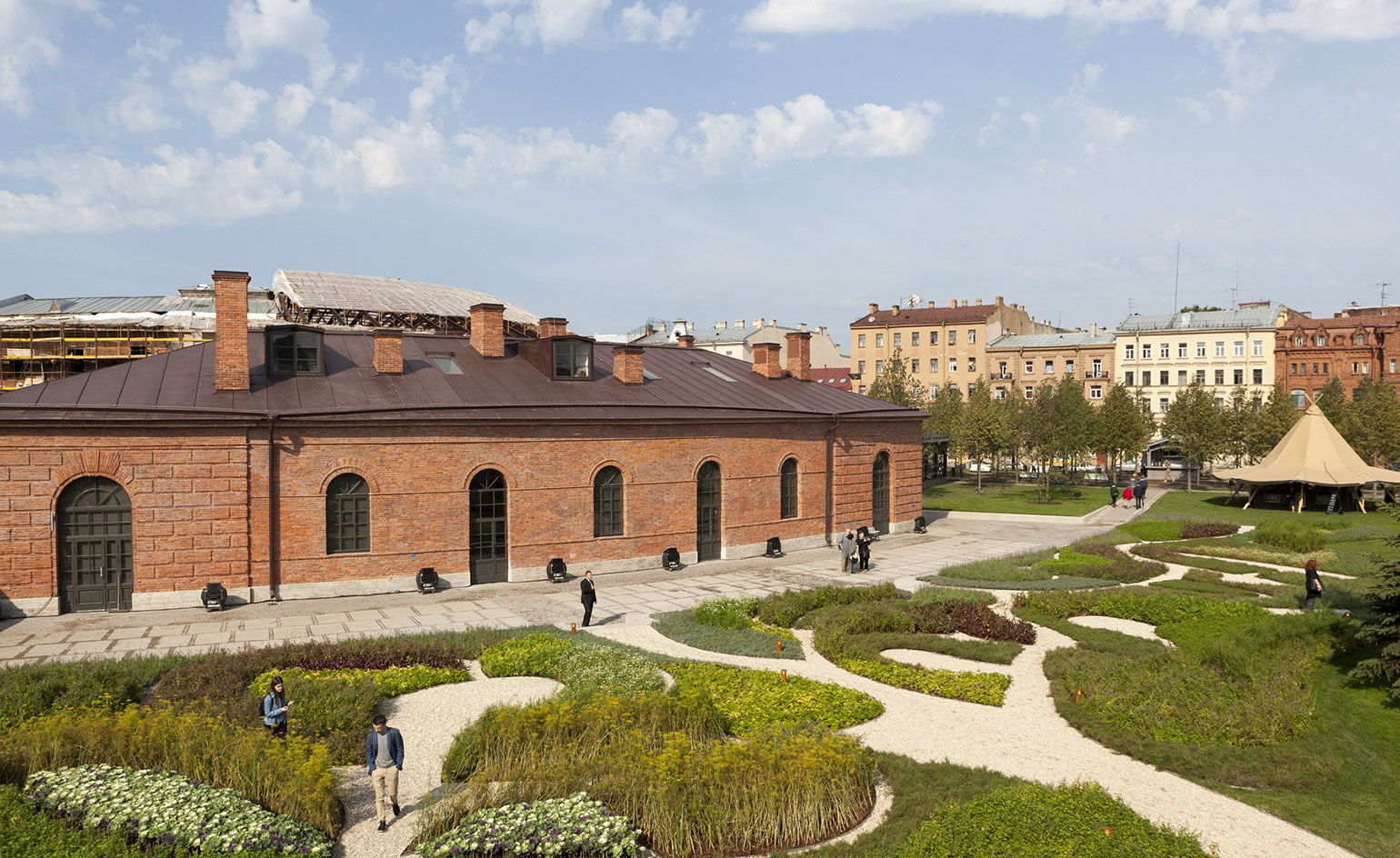 St petersburg 39 s new holland island opens to the public for Dutch landscape architects